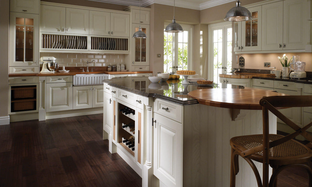 Cornell painted bespoke fitted kitchens wigan kitchen for Classic kitchen
