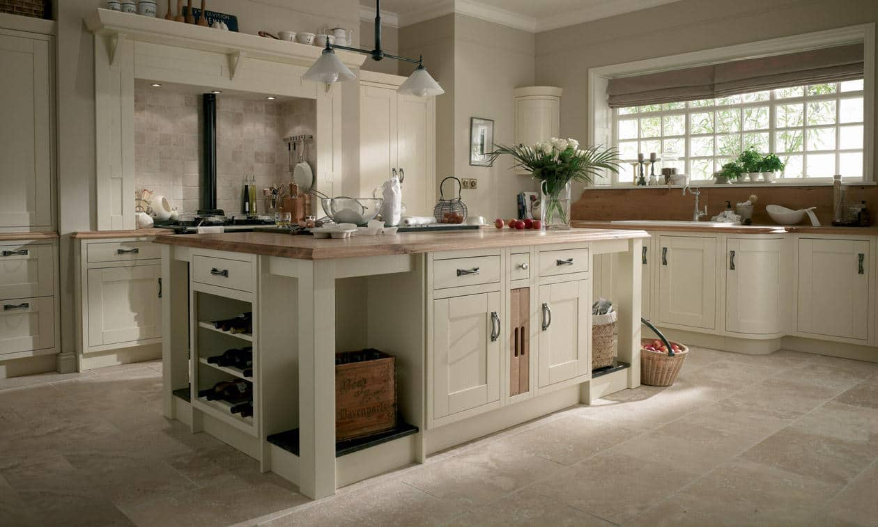 In frame kitchens bespoke fitted kitchens wigan for Coloured kitchen units uk