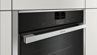Neff B47CS34N0B Single Oven 2