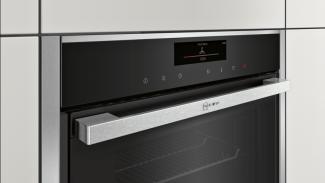 Neff B58VT68N0B Single Oven 7